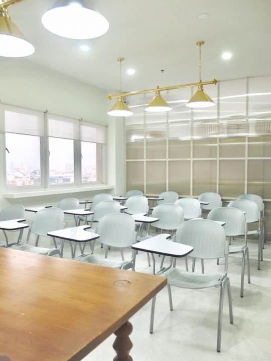Co-Working Space Co-Working ที่นั่งทำงาน คาเฟ่ JOINT Cafe & Workspace