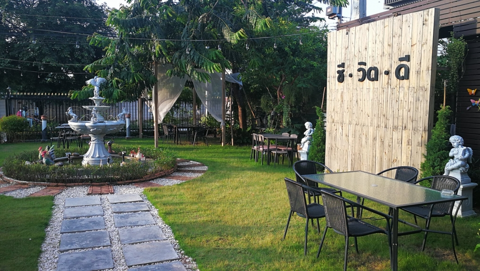 Che with D cafe and restaurant ชลบุรี